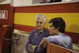 Adolfo Suárez Illana en los toros en Mallorca