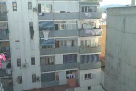 Muere un hombre al precipitarse desde un séptimo piso en Sant Antoni