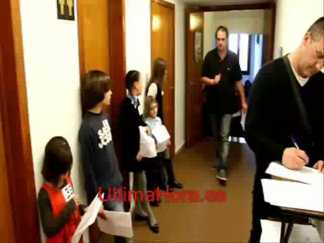 Un centenar de niños participa en el 'casting' del musical 'Sonrisas y lágrimas'