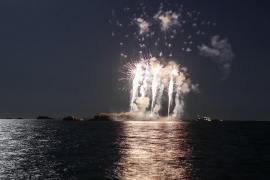 El castillo de fuegos artificiales en Ibiza, en imágenes.