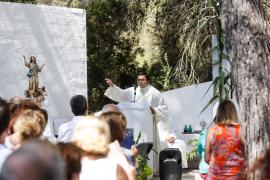 El día grande de Cala Llonga, en imágenes (Fotos: Arguiñe Escandón / T. Planells).
