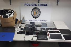 La Policía de Sant Antoni se incauta de móviles y material tecnológico tras inspeccionar un locutorio