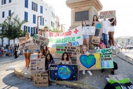 Concentración de Fridays For Future en Ibiza contra el cambio climático