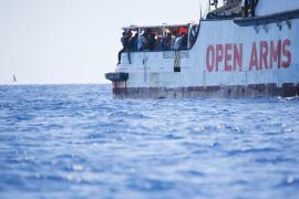 El Open Arms dice que no puede ir a España y pide entrar en Lampedusa