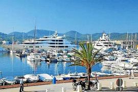 Un total de 474 personas esperan amarre en el puerto de Sant Antoni