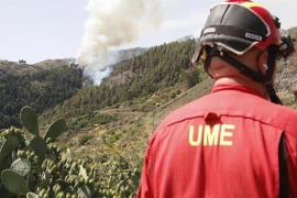 El cambio de viento favorece las labores de extinción en Gran Canaria