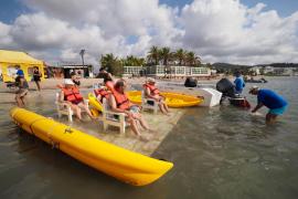Pacientes de geriatría disfrutan de las actividades de 'Un mar de posibilidades' en Talamanca