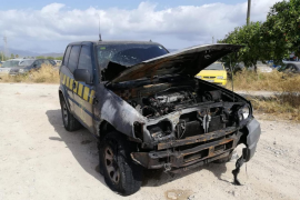 Vehículo de Medi Ambient quemado