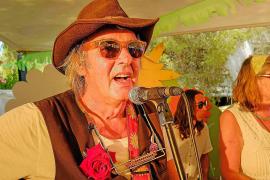 Woodstock volvió a la vida en el Hippy Market de Punta Arabí