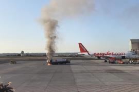 Alarma en el aeropuerto de Palma por el incendio en un camión de combustible