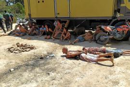 Más de 70 detenidos y 13 heridos en una fiesta ilegal en Sant Josep