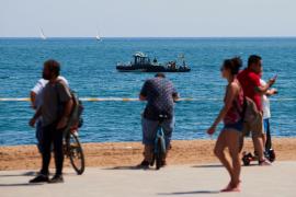 Desalojan playa de Barcelona para desactivar artefacto explosivo en el agua