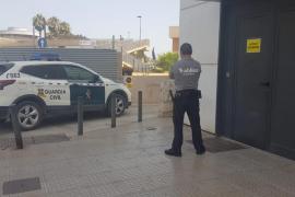 Detenidas cinco turistas británicas que maniataron y robaron 500 € a otras dos en un hotel de Sant Antoni