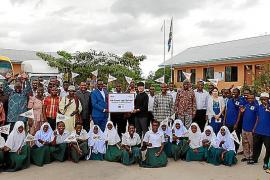 Kia entrega a Tanzania la 'Kia Green Light School'