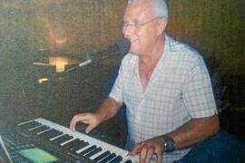 Jaume de 'Can Blay', el músico que anima las fiestas de los mayores