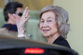 Doña Sofía visita al rey Juan Carlos en el hospital
