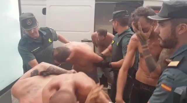 Trasladan a los juzgados de Ibiza a los cinco primeros detenidos por la 'rave' ilegal