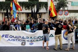 Jusapol informará a los turistas en el aeropuerto de Palma sobre las condiciones laborales de Policía y Guardia Civil