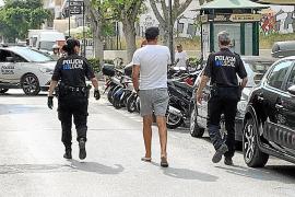 En la UCI un detenido tras autolesionarse en los calabozos de la Policía Local de Ibiza