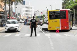Alsa investiga el incidente con el autobús que perdió una rueda en Platja d'en Bossa