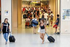 Retrasos en Ibiza y Palma por un problema en el sistema de control aéreo en Francia