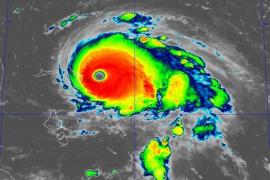 El huracán Dorian descarga con fuerza en las Bahamas