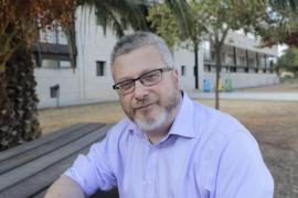 El profesor Baltasar Cortés, autor de la tesis doctoral