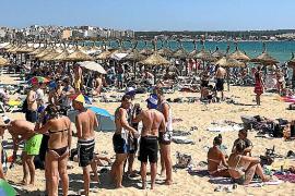El gasto turístico aumenta en julio pese a bajar un 3,5 % los visitantes