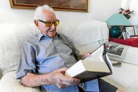 Fallece Vicent Juan Ferrer, el estudiante centenario de la UOM