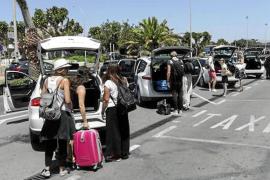 El Consell d'Eivissa pide a los taxistas datos concretos sobre los 'piratas'