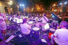 Turno para la Big Band Ciutat d'Eivissa y el virtuosismo de José Carrá, Bori Albero y Dani Domínguez