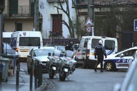 El asesino de Toulouse mantiene en vilo a Francia tras 18 horas de encierro
