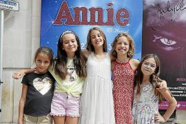 Niñas mallorquinas en el musical 'Annie'
