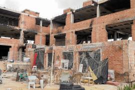 Vila prevé actuaciones en el edificio de es Viver ante la falta de noticias de la propiedad