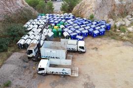 Sant Antoni retira los contenedores de basura acumulados en Can Coix