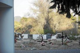 Sant Antoni ampliará el cementerio de Sant Rafel con 122 nichos y 60 columbarios