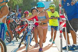 El Trikids cierra la temporada con el acuatlón de Sant Joan