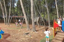 El CEIP El Pilar inaugura curso reuniendo a su «gran familia» de 60 alumnos y seis maestras