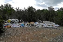 La Justicia confirma la sanción de 5.000 € a una empresa por verter residuos en Platges de Comte
