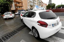 Los vehículos de autoescuela ya pueden incorporar ayudas a la conducción en exámenes de Tráfico