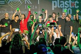 Kriptonitas que piden «no more plastic»