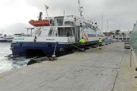 """Gent per Formentera dice que """"es urgente ordenar el tráfico marítimo por la contaminación"""""""