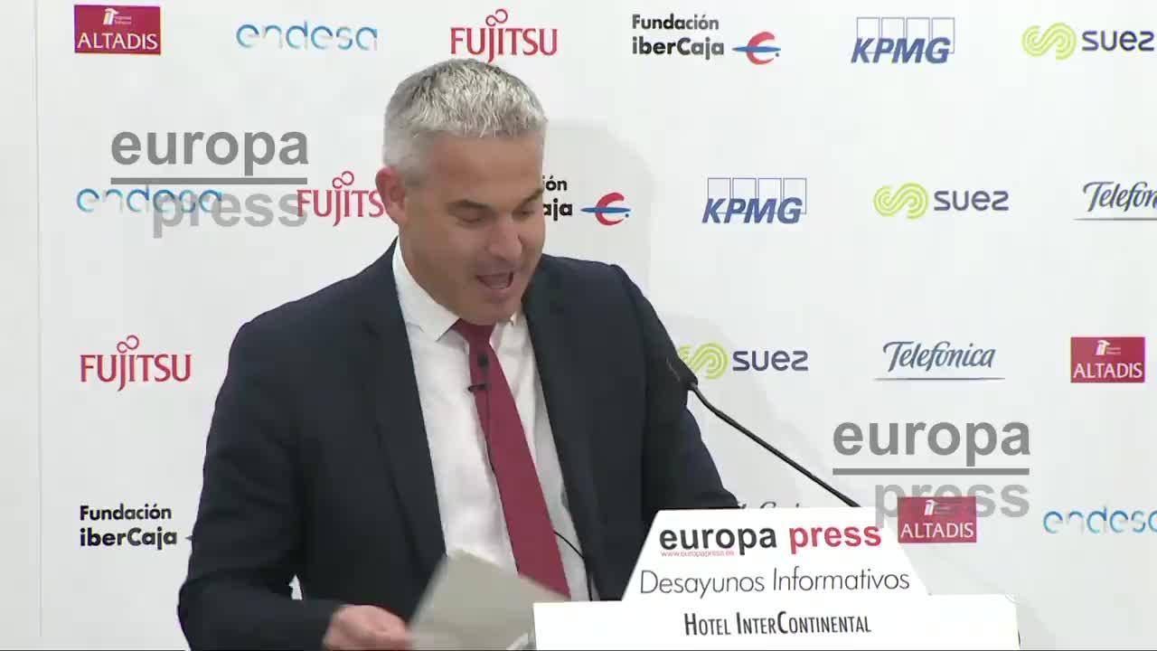 Londres pide «flexibilidad» a la UE aplazando el debate sobre el 'backstop' a la fase de transición