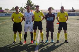 El partido entre la Peña Deportiva y el Celta B, en imágenes (Fotos: Marcelo Sastre).