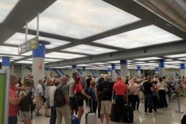 Cancelados 24 vuelos este lunes en Baleares por la quiebra de Thomas Cook
