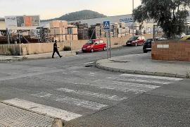 Stop borrado sobre el asfalto