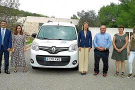 Sant Joan adquiere una nueva furgoneta para los Servicios Sociales Municipales