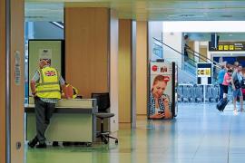 Los hoteleros de Ibiza afirman que es prioritario recuperar las plazas aéreas de Thomas Cook