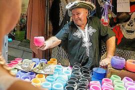 Marineros, piratas y seres mágicos ya desfilan por Sant Antoni