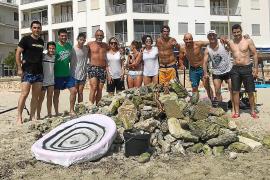 Vecinos de la zona han organizado varias jornadas de limpieza durante todo el verano